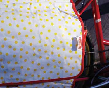 p-23174-kitschkitchen_polkadotpanniertag_yellow_lrc.jpg