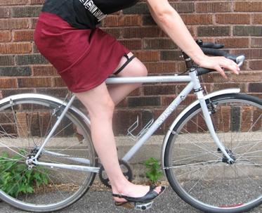 Skirt Garter