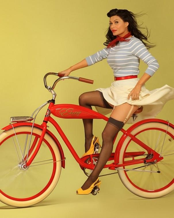 pin up on bike